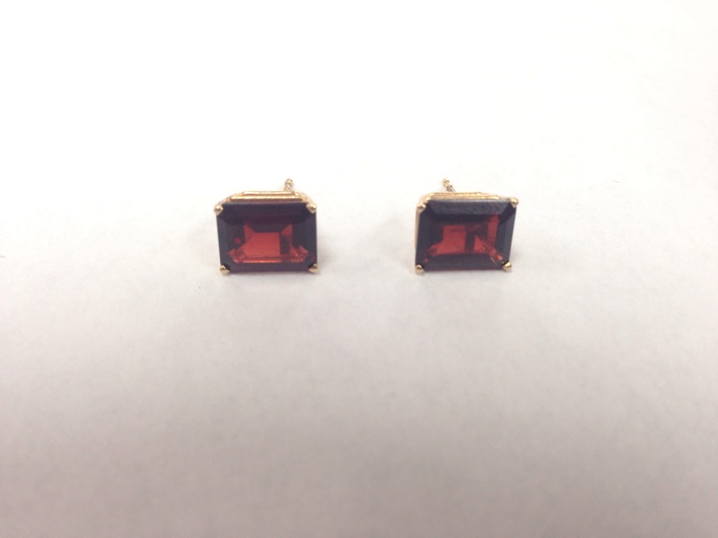 SYN Garnet Gold-Stone Earrings 10K Yellow Gold 0.9g