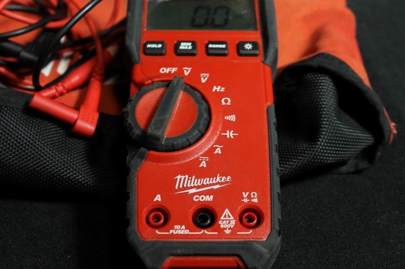 Milwaukee 2216-20 Digital Multimeter True RMS 600V AC/DC