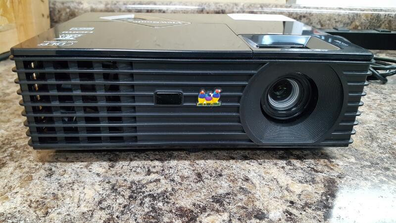 Viewsonic PJD5134 3000 Lumens 3D Ready DLP Portable Projector