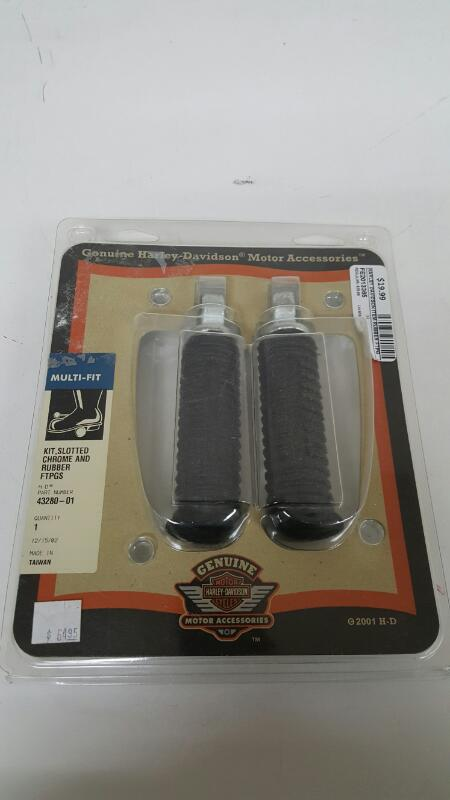 Harley-Davidson 43280-01 Chrome and Rubber Slotted Footpegs