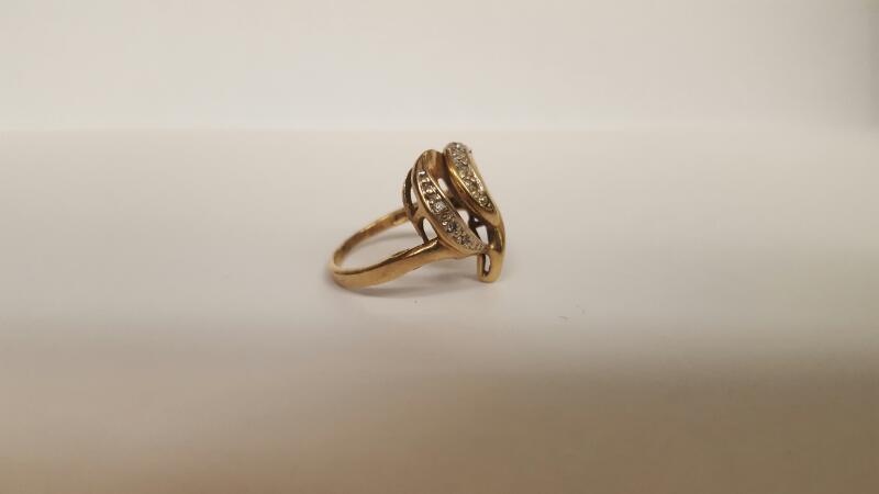 Lady's Diamond Fashion Ring 6 Diamonds .06 Carat T.W. 10K Yellow Gold 2.45g
