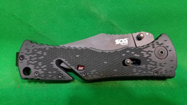 SOG Pocket Knife TRIDENT POCKET KNIFE