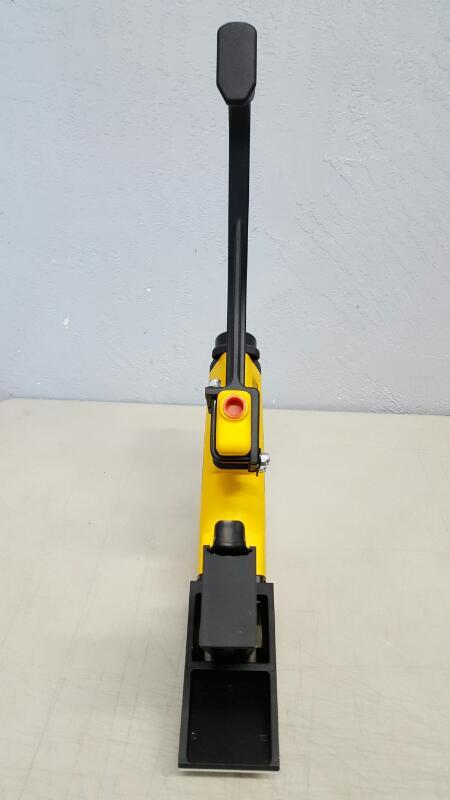 Dewalt DWMIIIFS Pneumatic 15.5-Gauge Hardwood Flooring Stapler