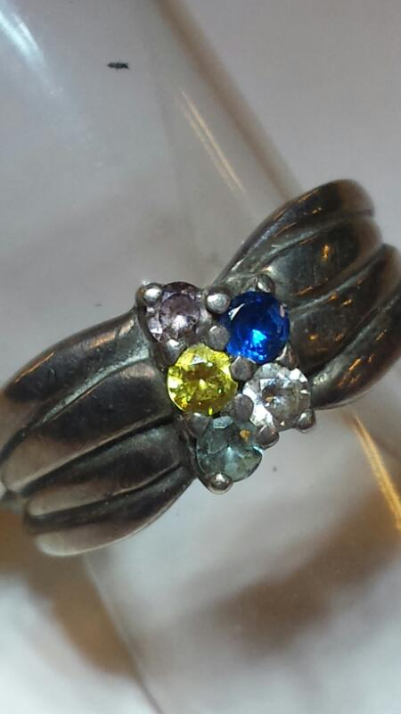 STERLING SILVER RING-5 COLORED STONES SIZE: 5