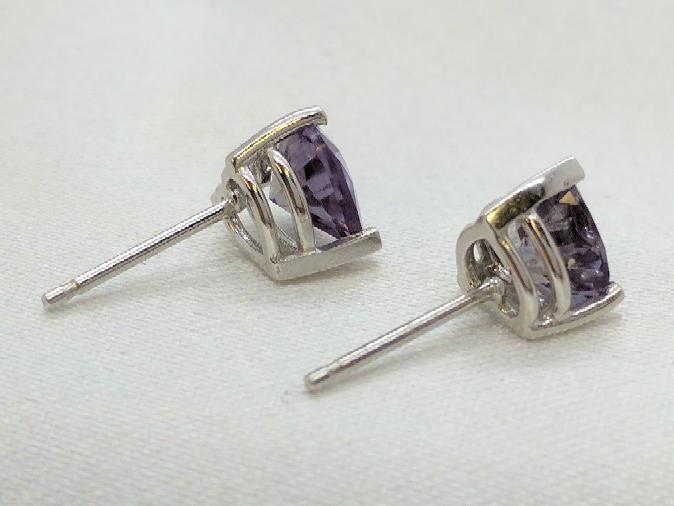 Purple Heart Stud Earrings 14K White Gold