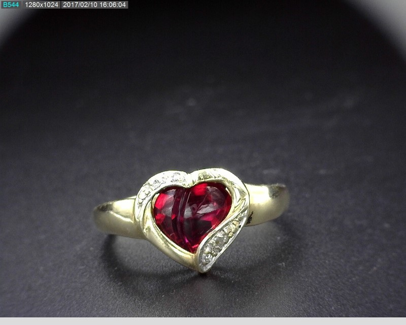 CABOCHON RUBY HEART SHAPED RING W/MELEE 10KYG SZ6.5