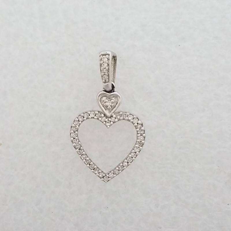 10K White Gold Dainty Open Work Heart Outline Diamond Pendant