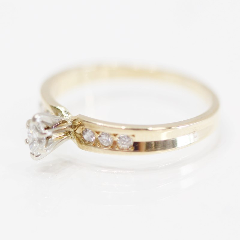 14K Y/G Bead Set Marquise & Channel Set Round Diamond Ring Size 8