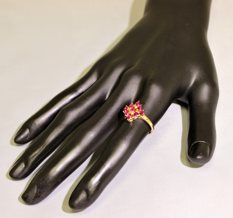 14K Yellow Gold Marquise Natural Ruby Diamond-Shaped Cluster Shield Ring sz 6.75