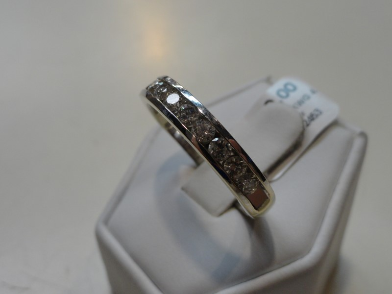 Gent's 14KWG Diamond Wedding Band 11 Diamonds 1.65 Carat T.W.
