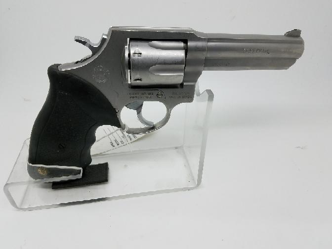 TAURUS Revolver 82