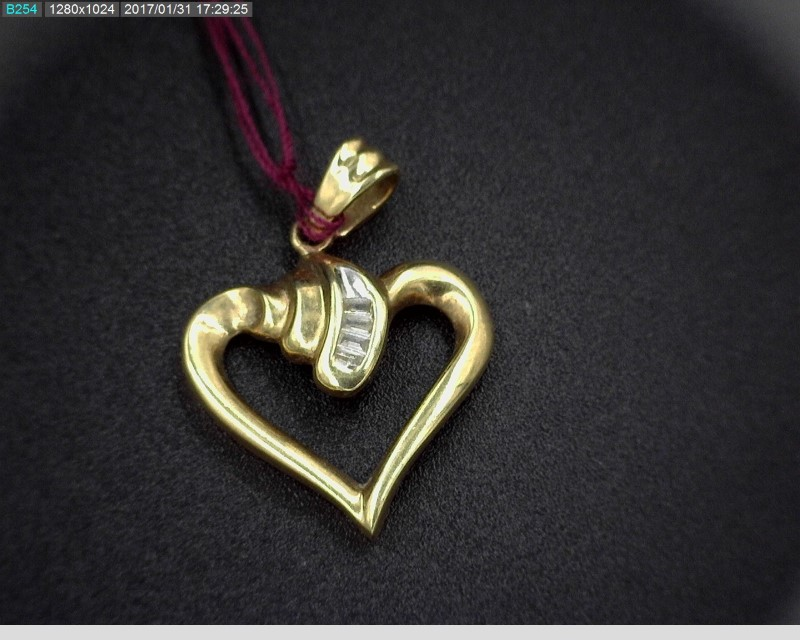 DIAMOND HEART SHAPED PENDANT 4DIAMONDS 10KYG 1.6G