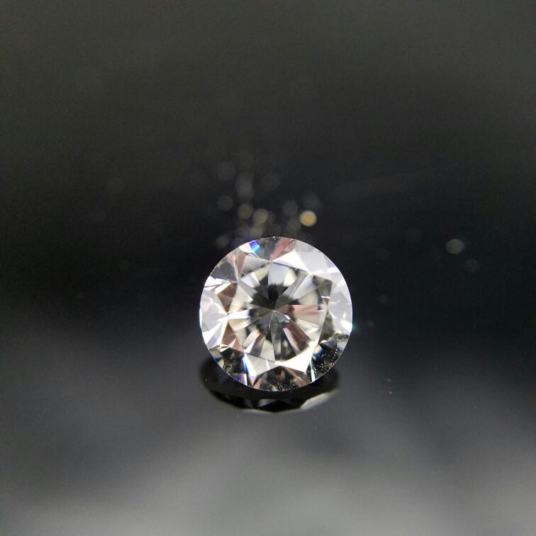 GIA CERTIFIED 1.00CT ROUND DIAMOND J-VS2