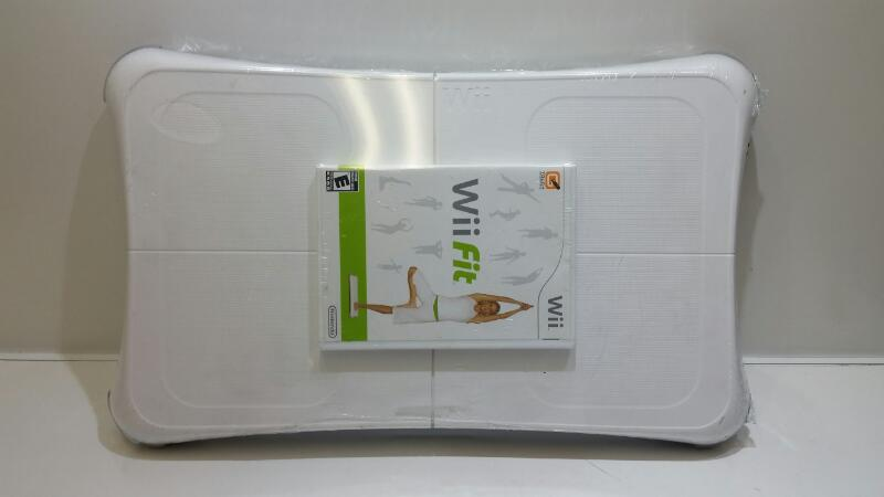 Wii Fit Game w/ Original OEM Balance Board