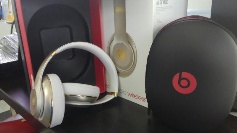 BEATS AUDIO Headphones B0501