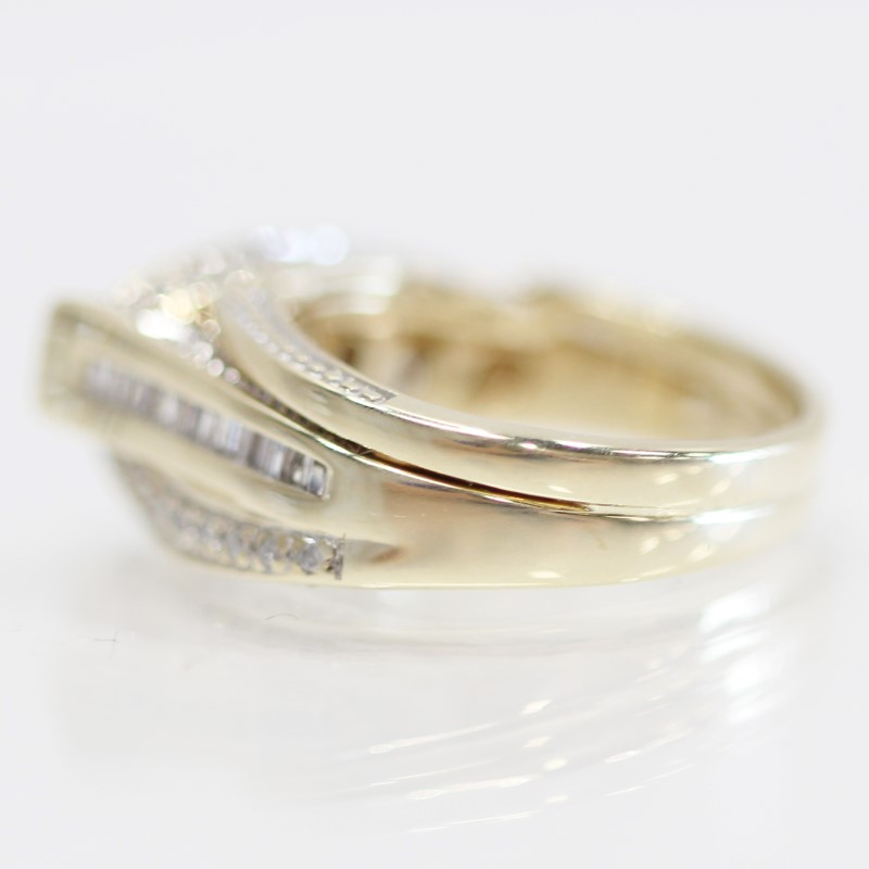 10K Yellow Gold Round Cut & Channel Set Diamond Engagement Ring Size 5