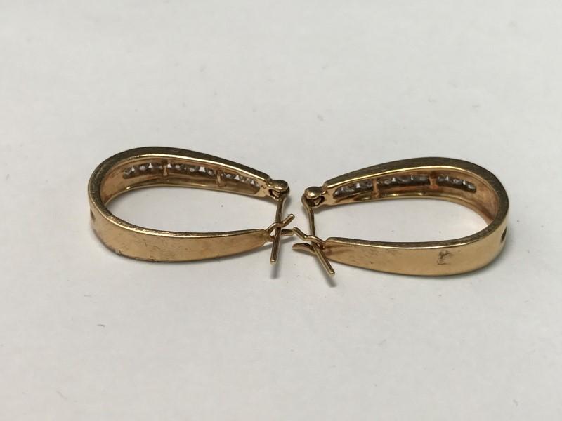 14K Gold-Diamond Earrings 18 Diamonds .54 Carat T.W. 5.5g