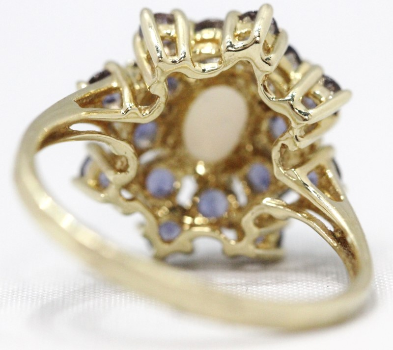 Synthetic Iolite Lady's Stone Ring 14K Yellow Gold 4.43g