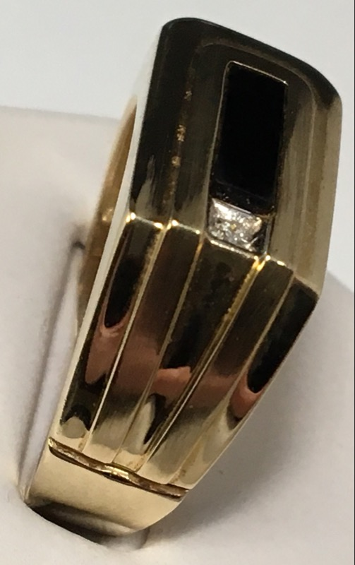 10k Onyx & Diamond Ring .01 CT. Size: 10