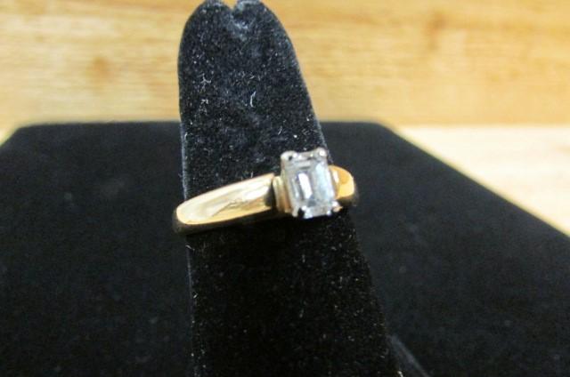Lady's Diamond Fashion Ring .36 CT. 14K Yellow Gold 4.1g Size:7
