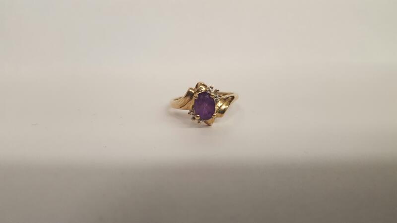 Purple Stone Lady's Stone Ring 10K Yellow Gold 2.18g Size:7