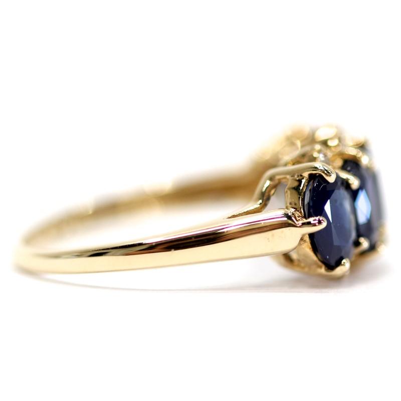10K Yellow Gold Bead Set Oval Cut Sapphire Stone Ring Size 7