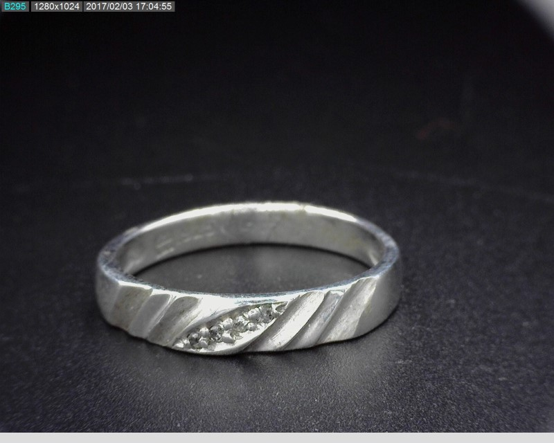 STERLING SILVER BAND W/MELEE 2G SZ.7