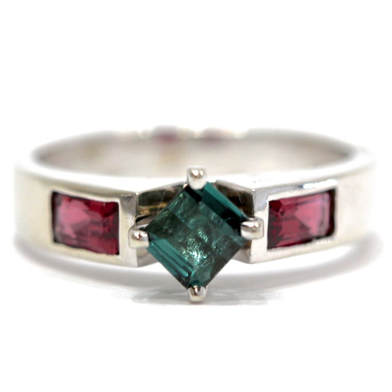 14K White Gold Princess Cut Emerald & Ruby Ring Size 7