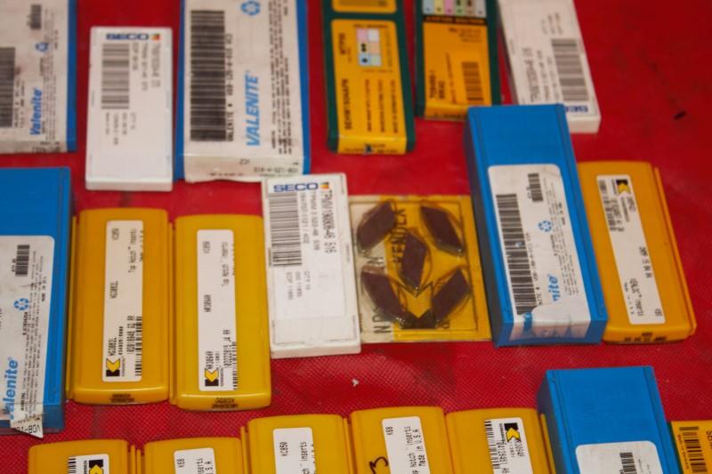 LOT OF LATHE GROOVING INSERTS TOOL BITS Carbide (49) Valentine, Senco, Walter,