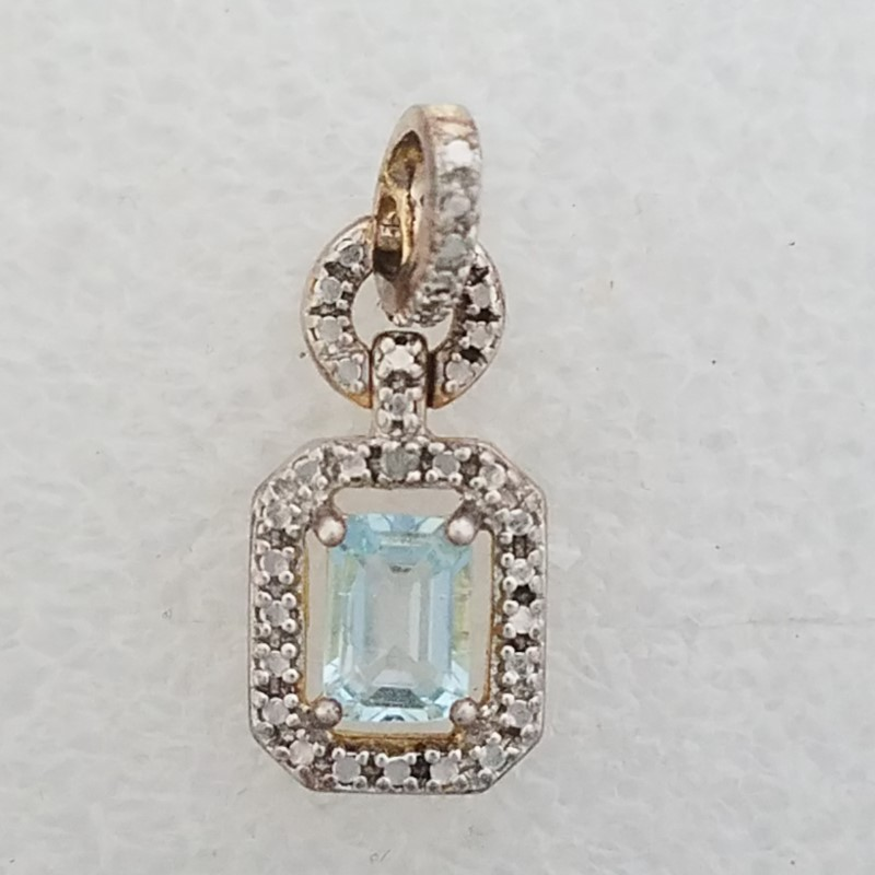 925 Sterling Silver Unique Floating Aquamarine & Diamond Halo-Style Pendant