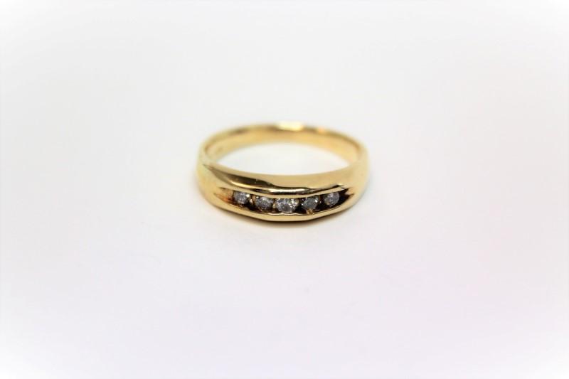 Gent's Gold-Diamond Wedding Band 5 Diamonds .25 Carat T.W. 14K Yellow Gold 4.9g