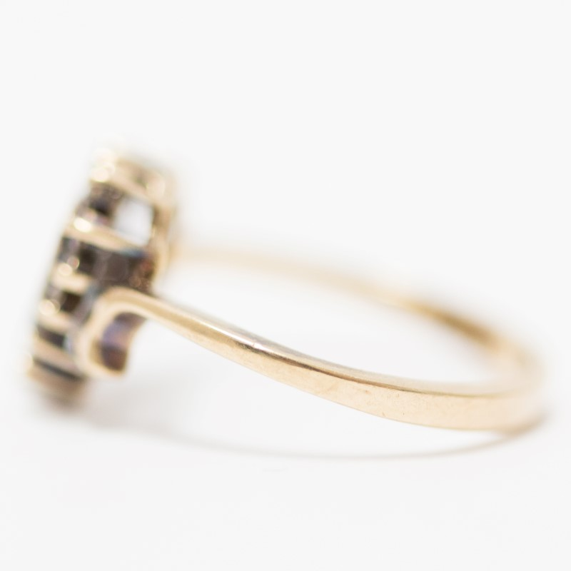 10K Yellow Gold Heart Shaped Round Brilliant Diamond Ring Size 5.75