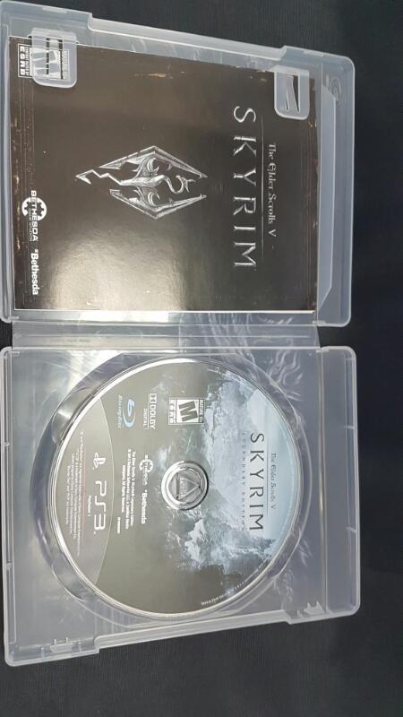 Sony PlayStation 3  PS3 Game SKYRIM LEGENDARY EDITION