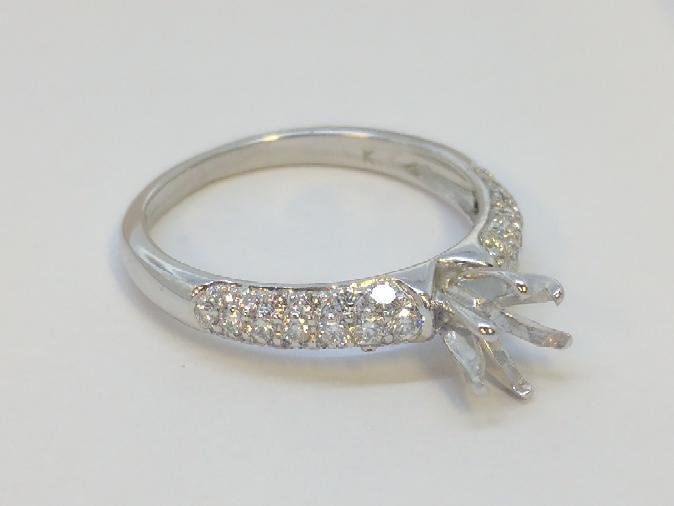 Lady's Diamond Engagement Ring 36 Diamonds 1.08 Carat T.W. 18K White Gold 2.7g