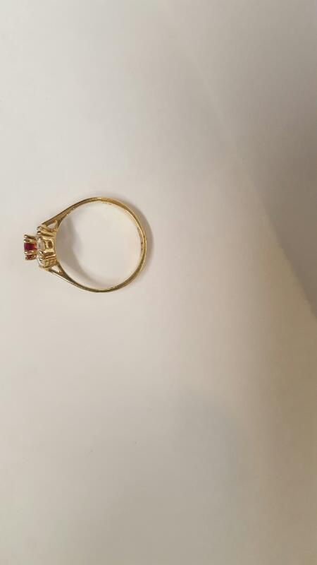 Lady's Stone Ring 14K Yellow Gold 2.14g Size:6