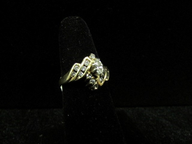 Lady's Diamond Fashion Ring 17 Diamonds 0.61 Carat T.W. 14K Yellow Gold 4g Size: