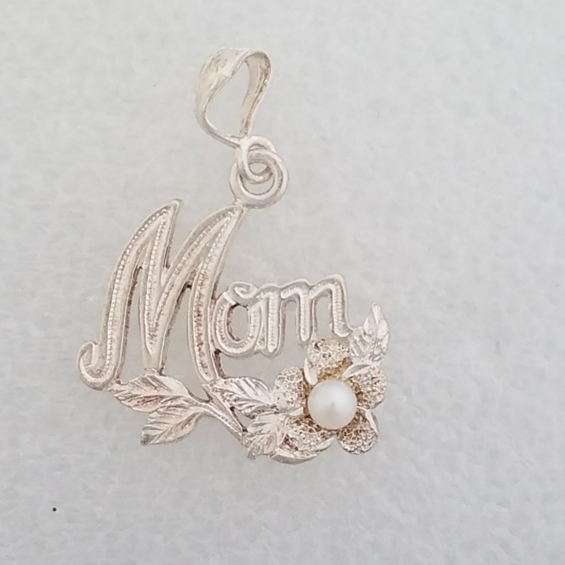 "925 Sterling Silver Diamond Cut Leaves & Flowers Pearl ""MOM"" Pendant"