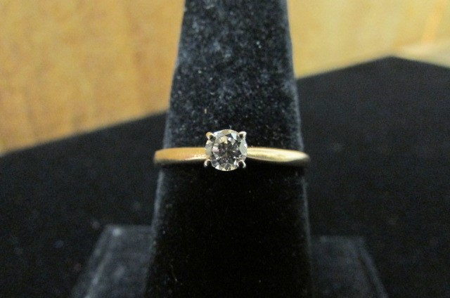 Lady's Diamond Solitaire Ring .20 CT. 14K Yellow Gold 1.8g Size:8.8