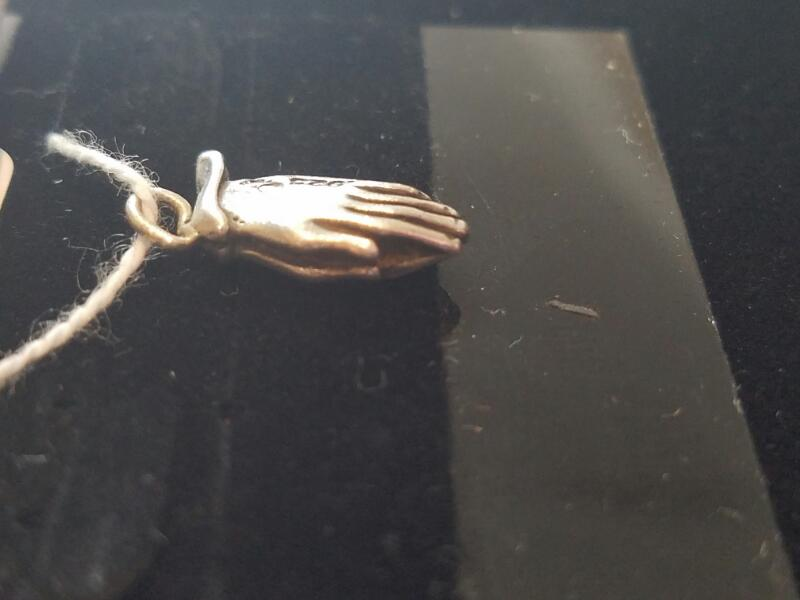 Silver Praying Hands Pendant 925 Silver 1.7g