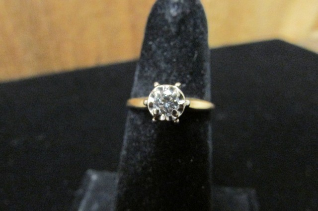 Lady's Diamond Solitaire Ring 0.25 CT. 14K Yellow Gold 2.2g