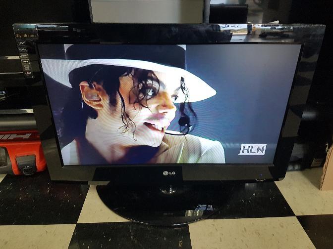 LG Flat Panel Television 26LG30-UA