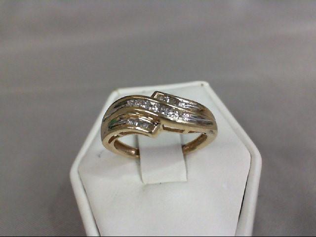 Lady's Diamond Cluster Ring 17 Diamonds .17 Carat T.W. 10K Yellow Gold 2.5g