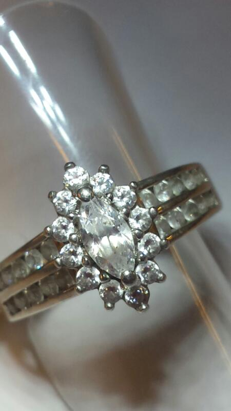 Synthetic Cubic Zirconia Lady's Silver & Stone Ring 925 Silver 3.16dwt