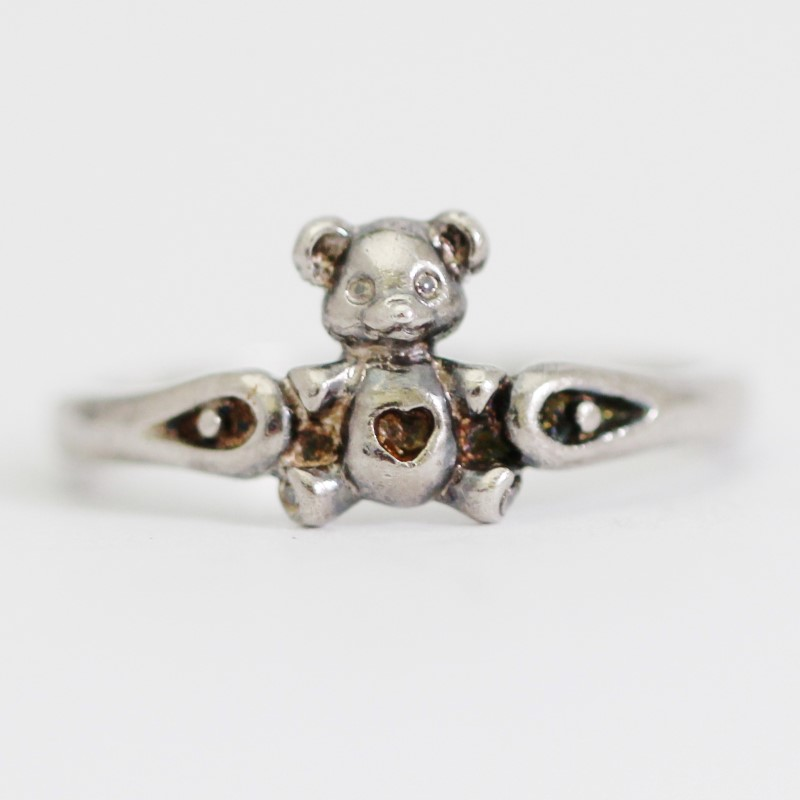 Sterling Silver Heart Centered Teddy Bear Ring Size 3.5
