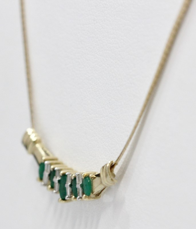 "16"" Emerald Stone Necklace 10K Yellow Gold 5.11g"