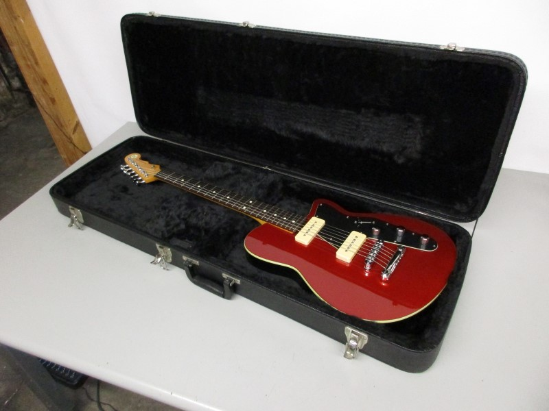 REVEREND CHARGER 290, RED