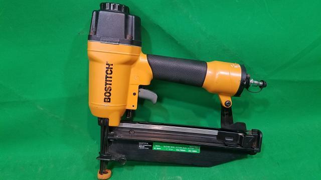 "Bostitch SB-1664FN 16GA 1"" to 2 1/2"" Straight Finish Nail Gun"