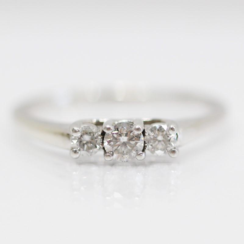 14K White Gold Bead Set Triple Set Round Diamond Ring Size 9.6