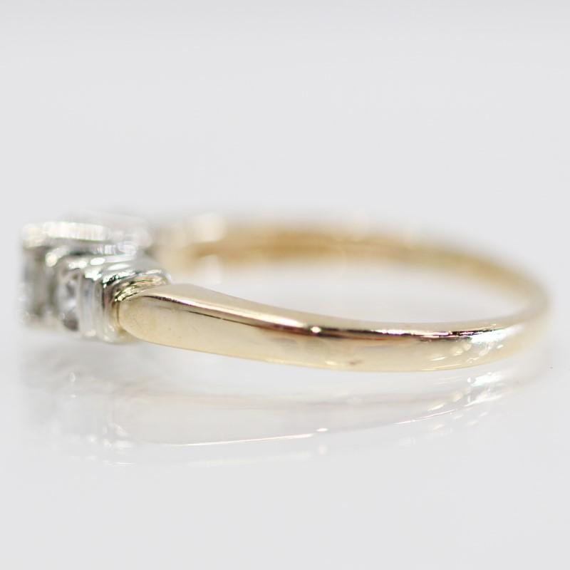 14K Yellow Gold Three Stone Round Cut Diamond Engagement Ring Size 9