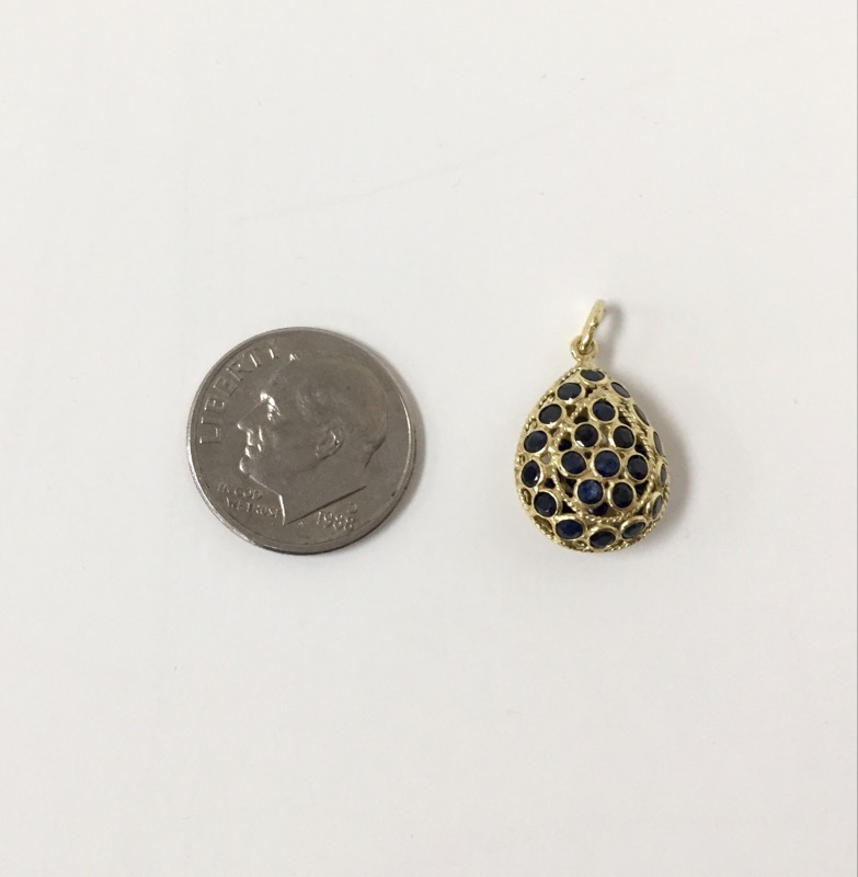 Pear shaped Sapphire Pendant 18Kt Yellow Gold